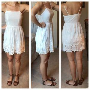 White summer dress - Crochet / Lace - Size Small